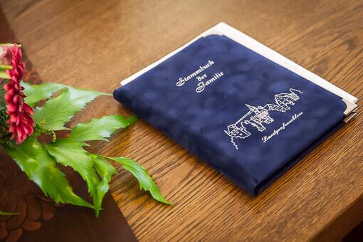 Standesamt-Eheschliessung - Stammbuch der Stadt Marburg
