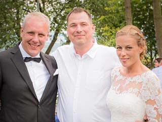 Hochzeitsfotograf-Thomas-Kowalzik-mit-Brautpaar