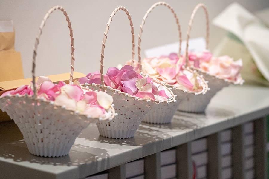 Blütenblätter für die Blumenkinder
