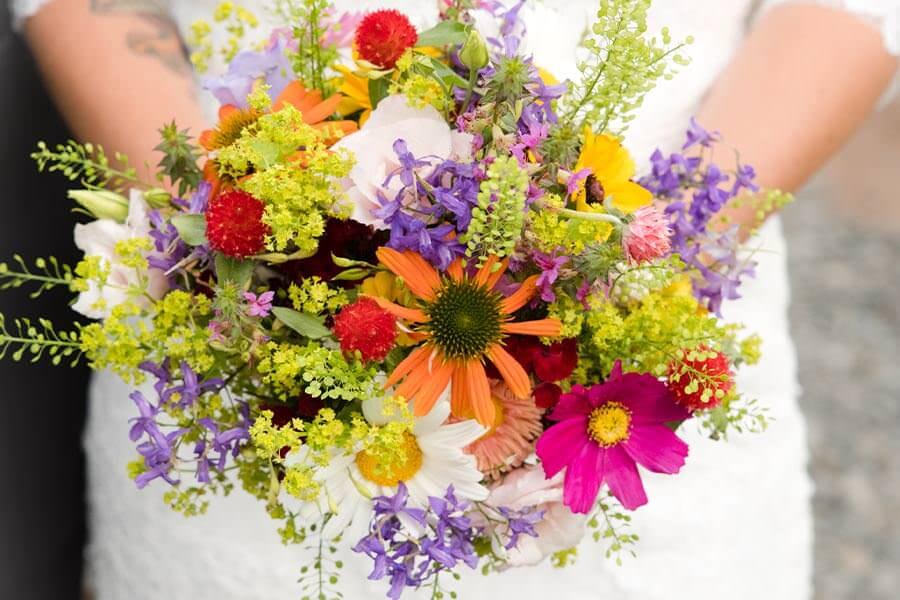 Blumenschmuck der Braut - der Brautstrauß