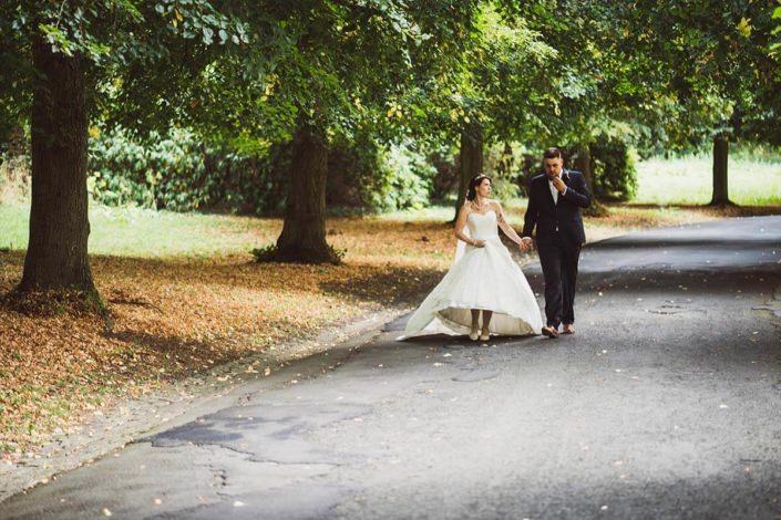 Brautpaar im Schlosspark von Rauischholzhausen